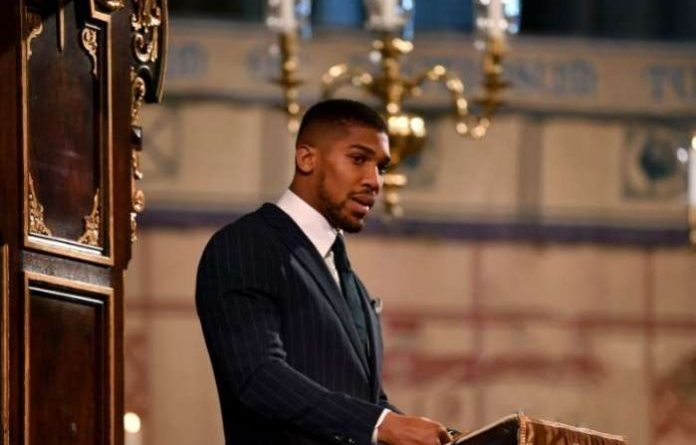 What Anthony Joshua said about Nigeria to Queen Elizabeth — video