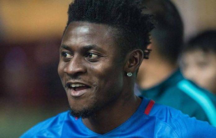 Obafemi Martins subbed on in Shenhua's defeat to Guangzhou Evergrande